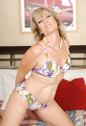Amateur Free Housewife Naked Picture