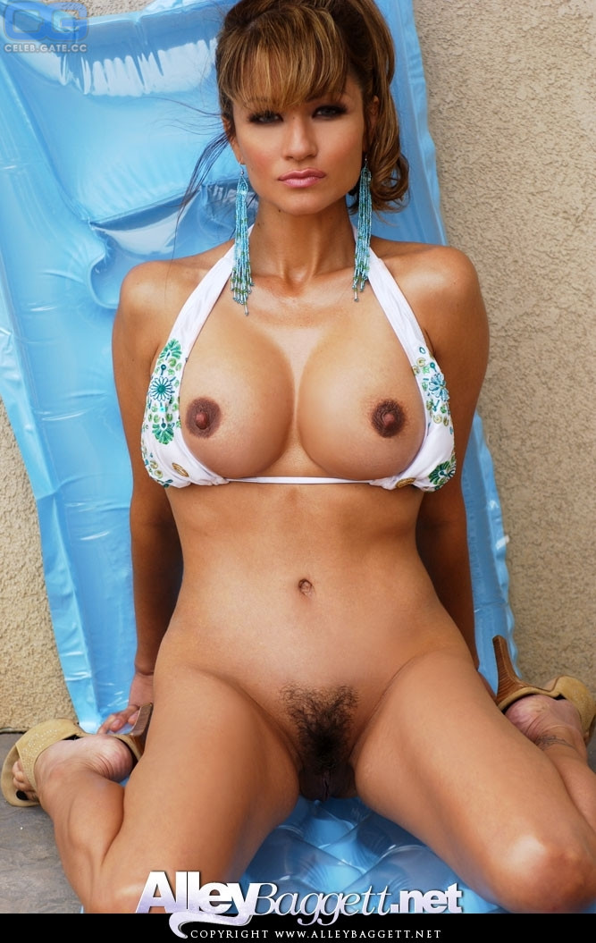 Baggett Nude And Naked