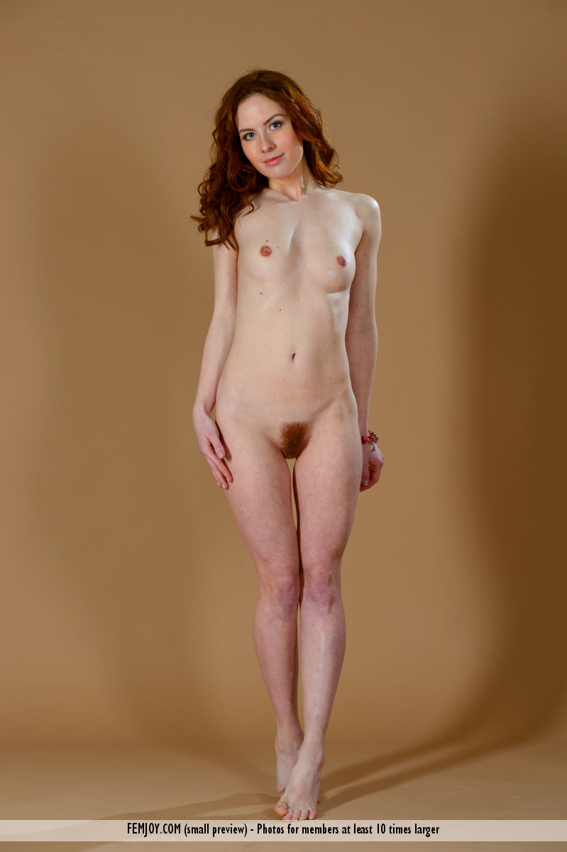 Beauthiful Redhead Dancing Naked