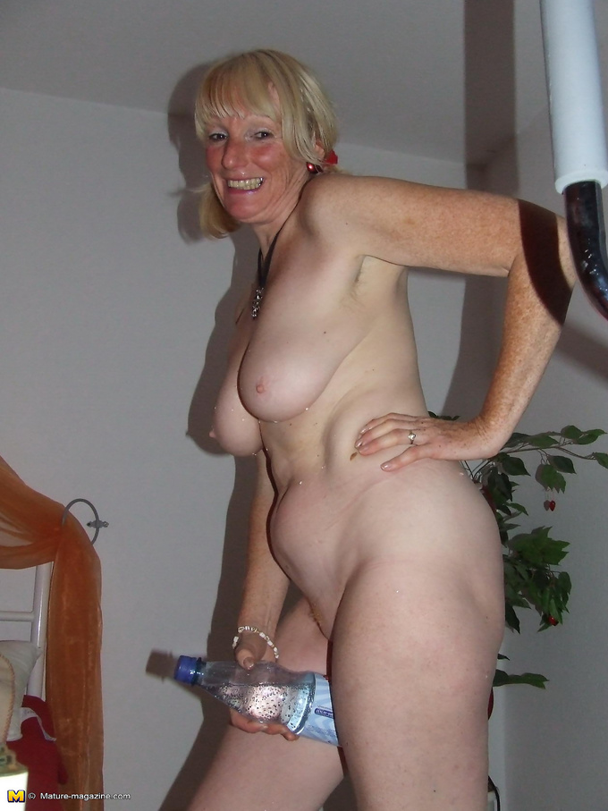 Beautiful Naked Mature Women Pictures