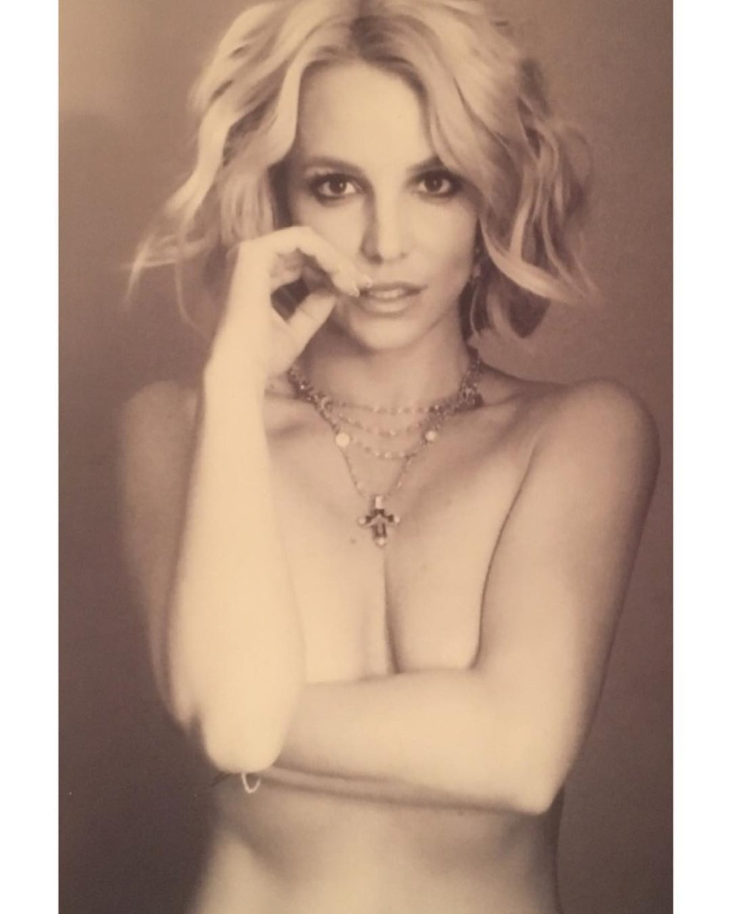 Britney Nude Picture Sculpture Spear
