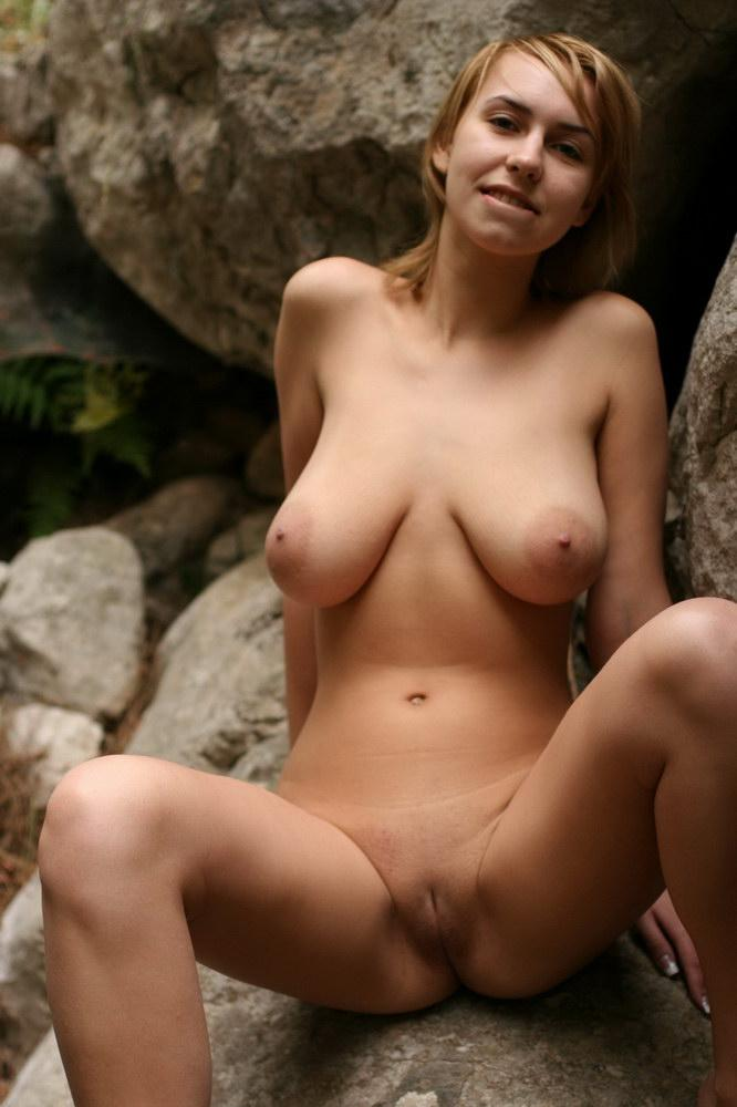 Busty Nude Pic