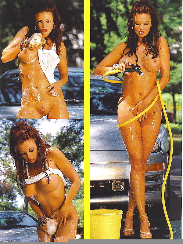 Candice Michelle Fully Naked Pics
