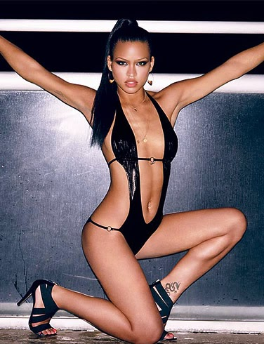 Cassie Nude Pictures For Magazine