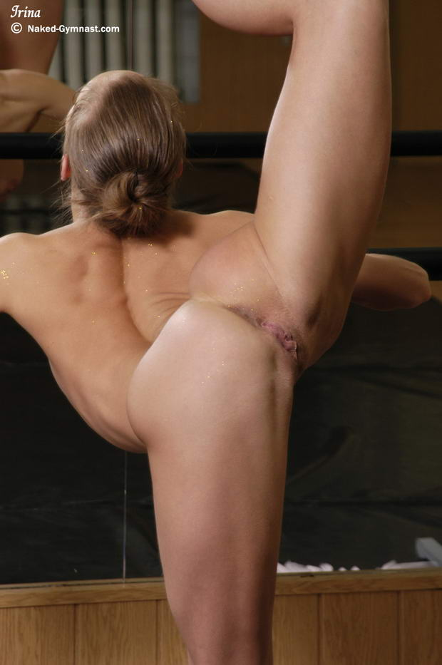 Extreme Nude Contortion