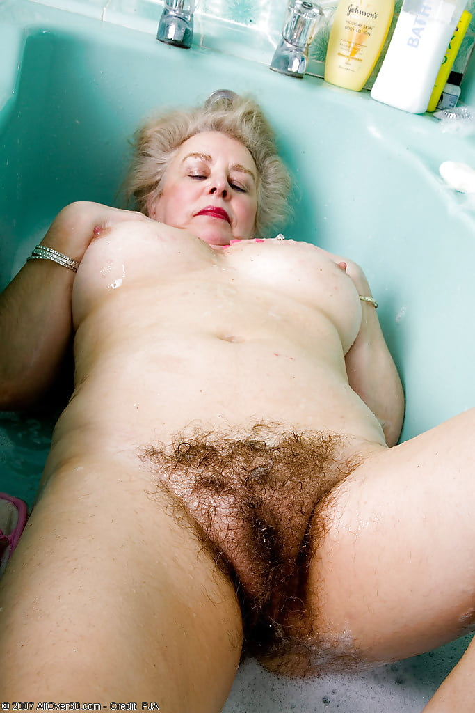 Extremely Nude Pics