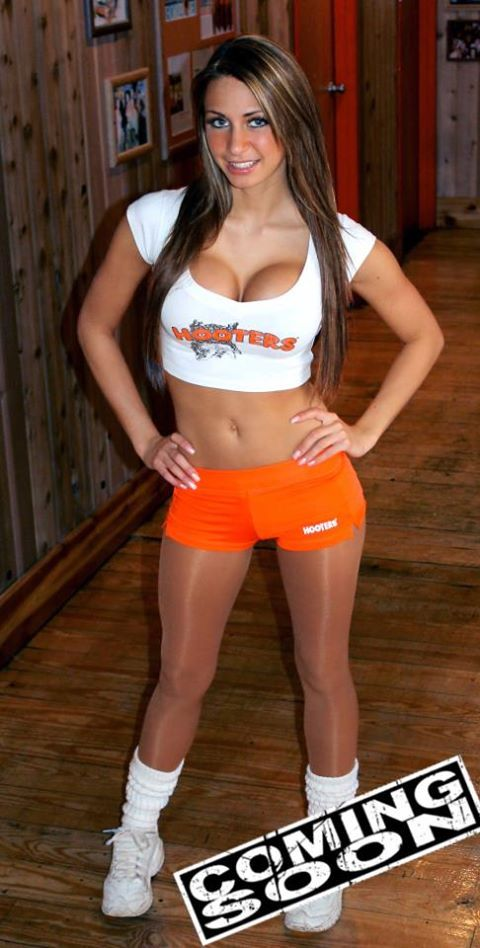Free Nude Hooters Babes