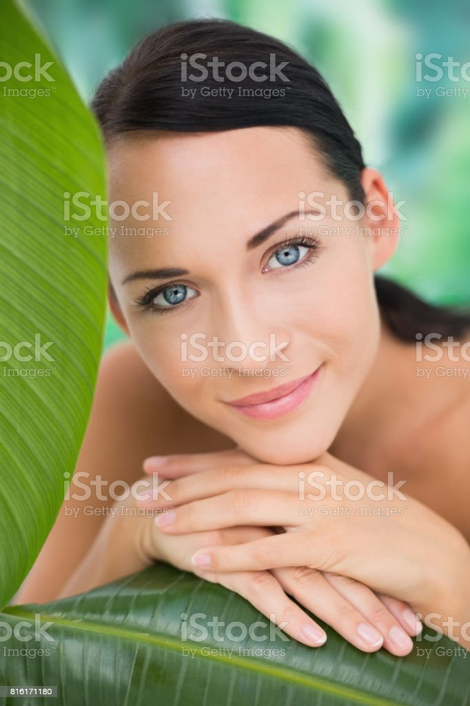 Green Leaf Nude Pictures