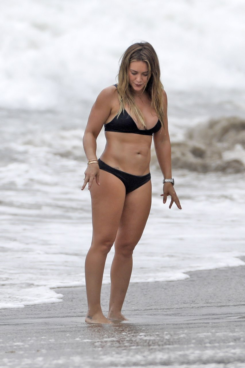 Hilary Duff Nude Galleries