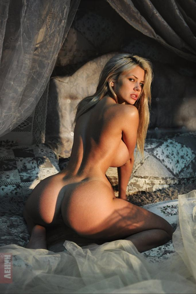 Hot Nude Babes Forum