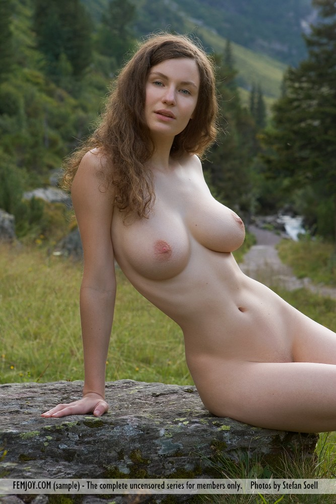 Hot Sexy German Chick Nude
