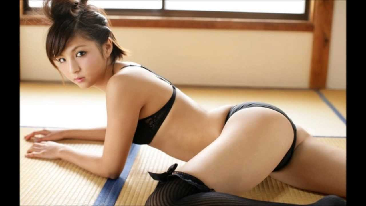 Hot Sexy Wet Naked Asians