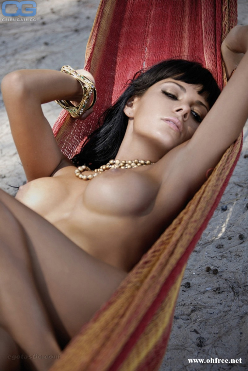 Information About Vanessa Nude Pictures