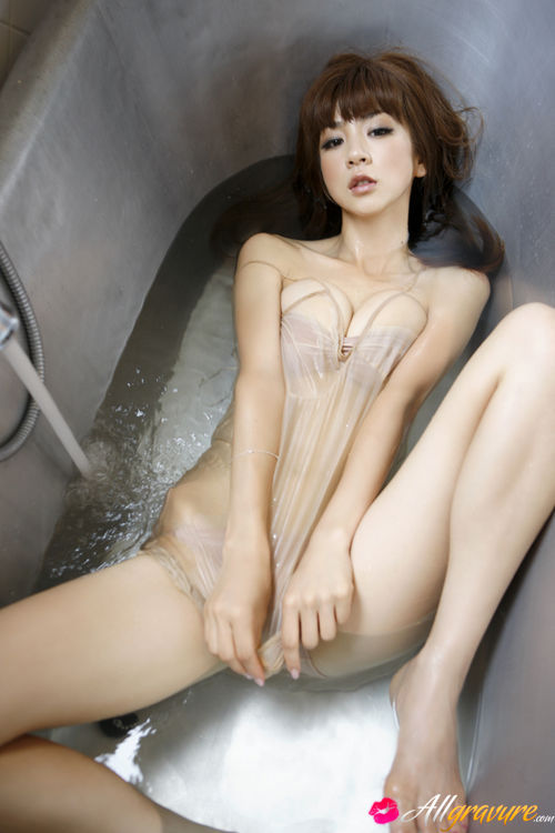 Japanese Nude Hairy Pussy