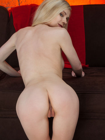 Lenore Andriel Nude