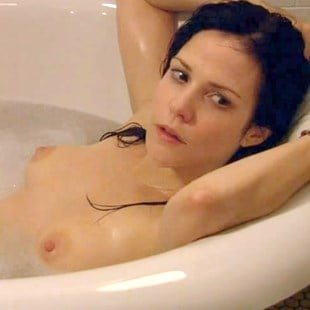Mary Louis Parker Nude