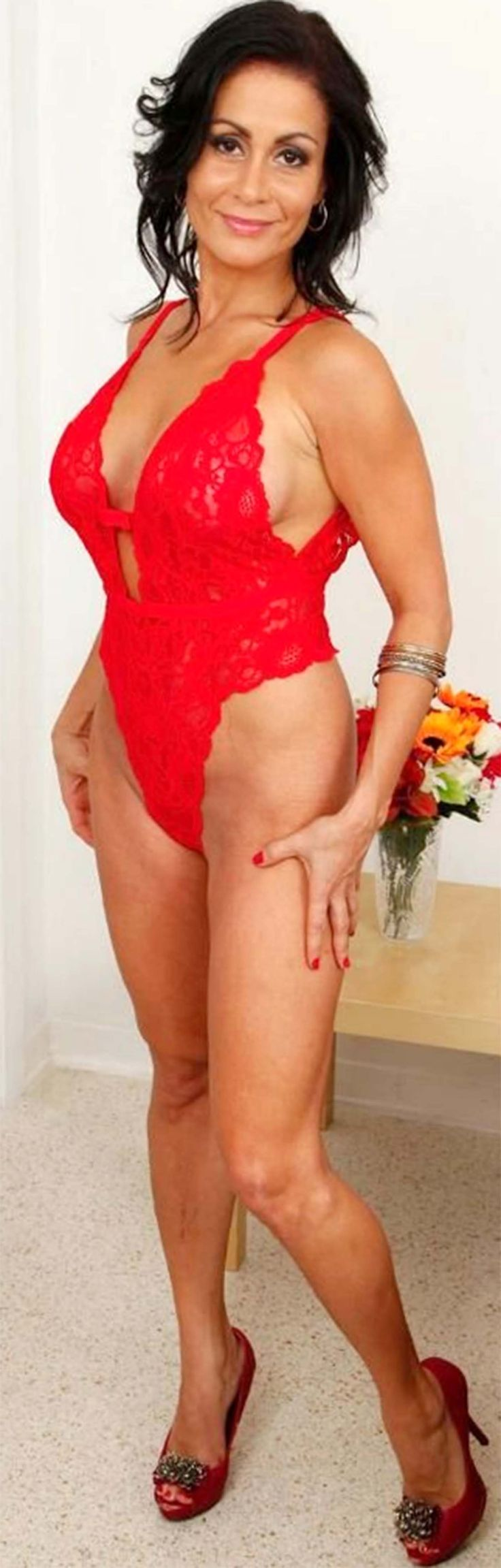 Mature Naked Video Woman