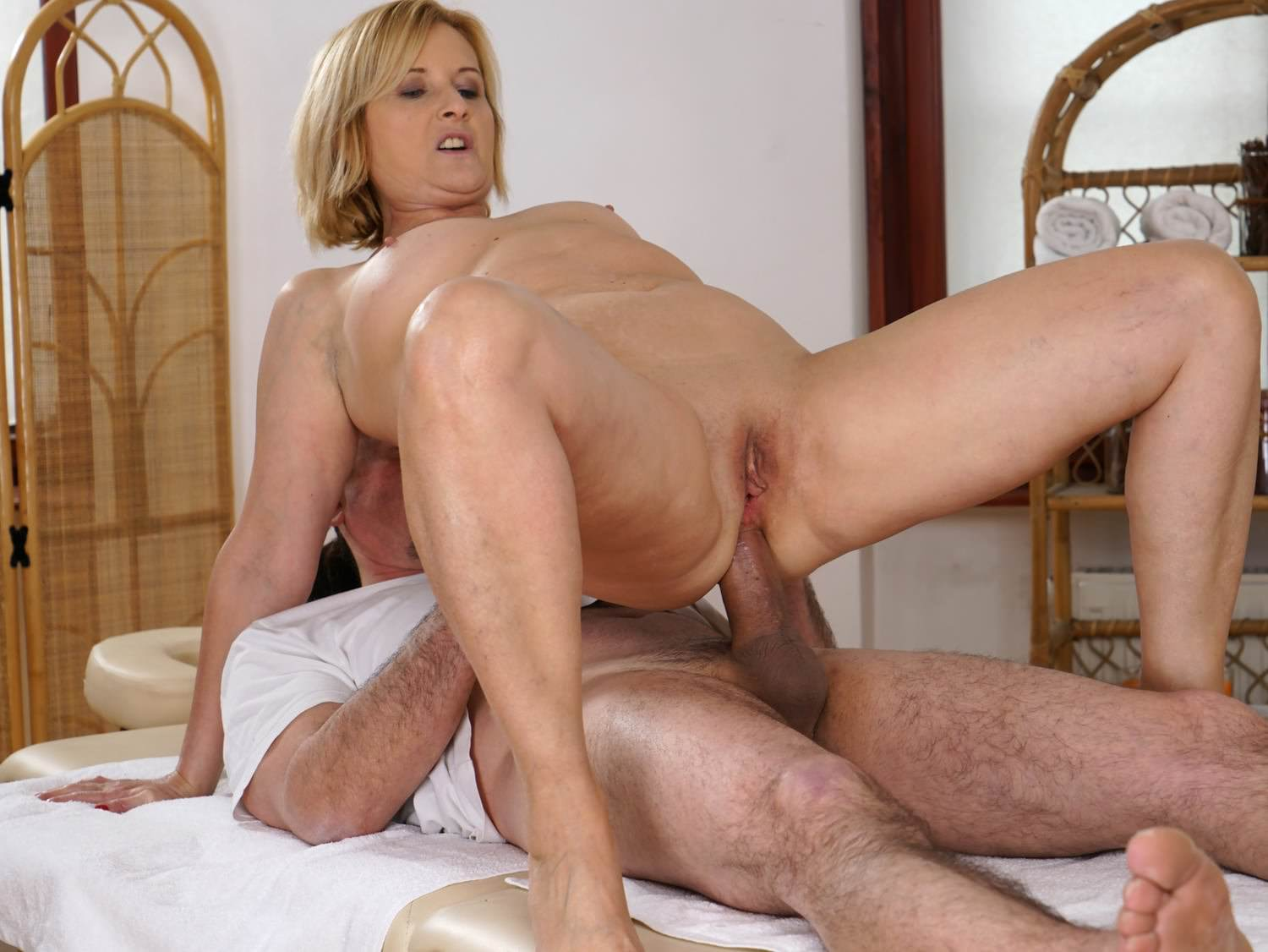 Mature Nudes Anal