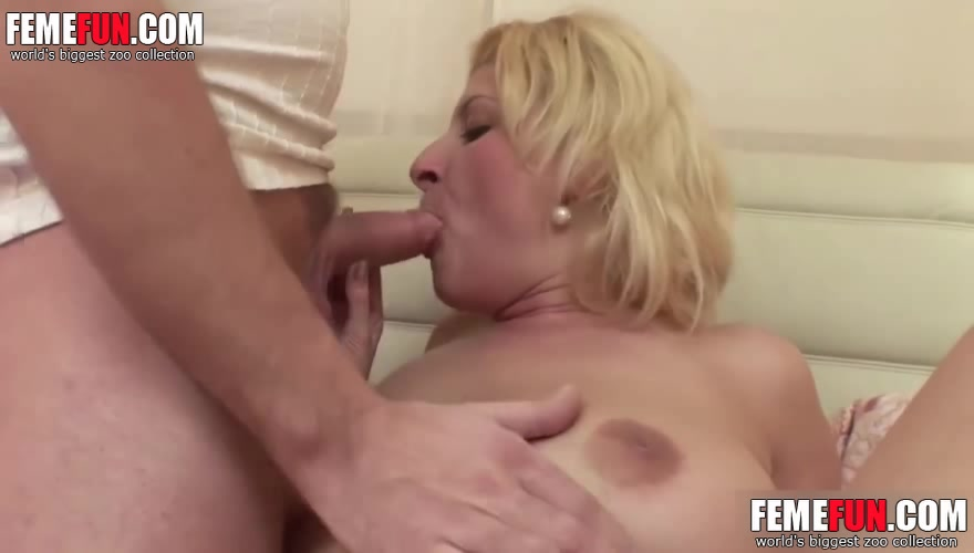 Moms Conned Into Getting Naked