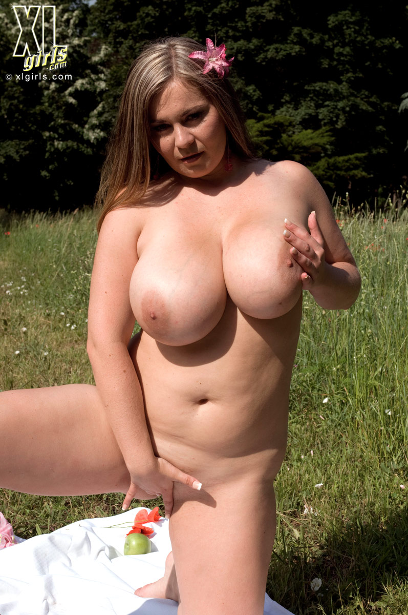 Naked Chubby Chick Pics