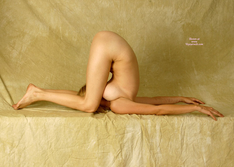 Naked Contortionist Women