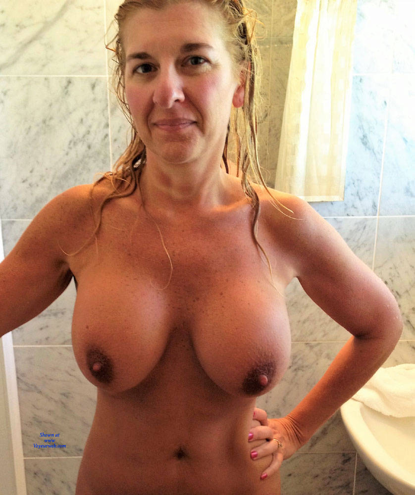 Naked Girls Showin Of Boobs