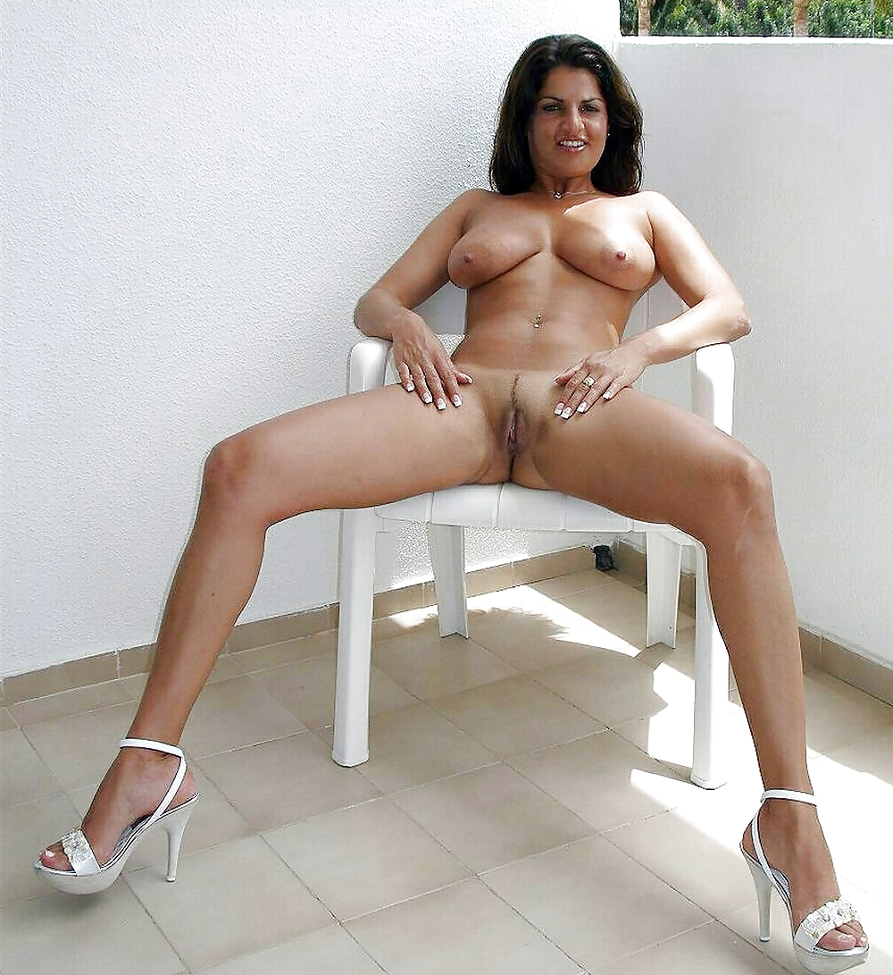 Naked Pics Of Hot Milfs