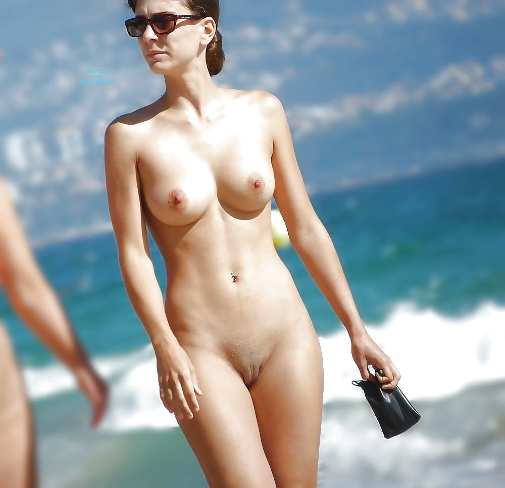 Naked Pussy On The Beach