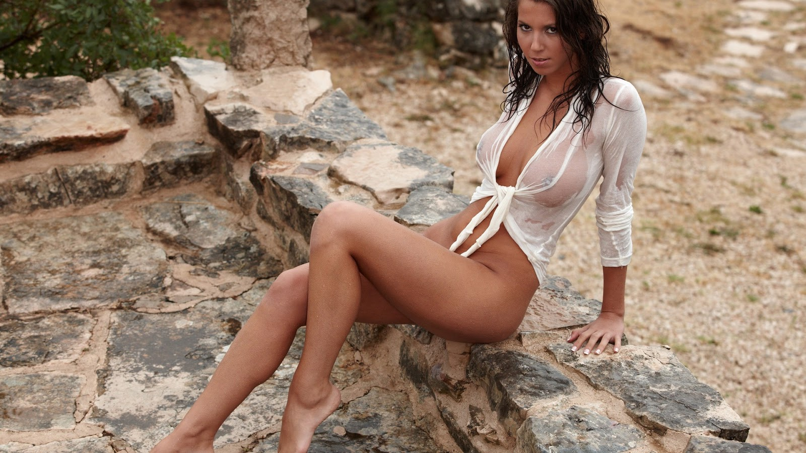 Nude Babe High Quality