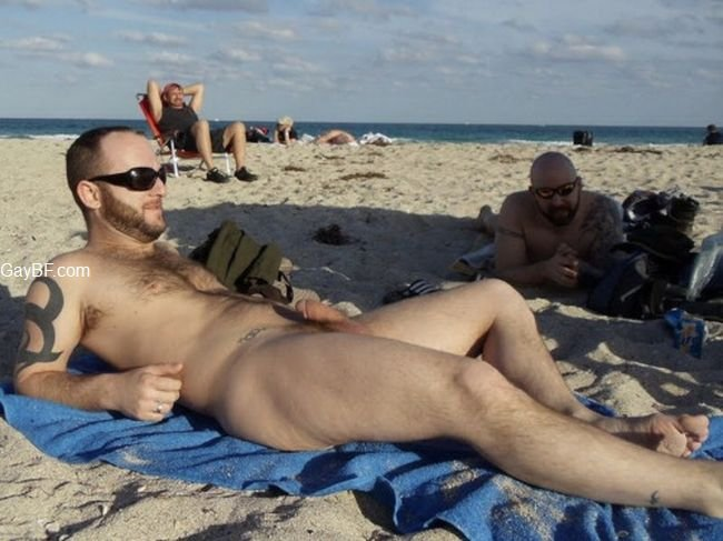 Nude Male Voyuer Gay