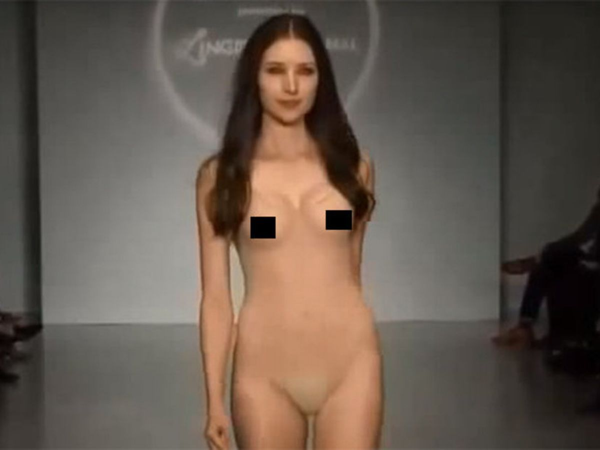 Nude Oops Supermodel