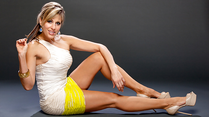 Nude Pictures Of Lilian Garcia