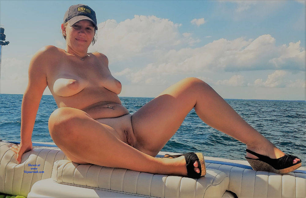 Nude Sex On A Boat