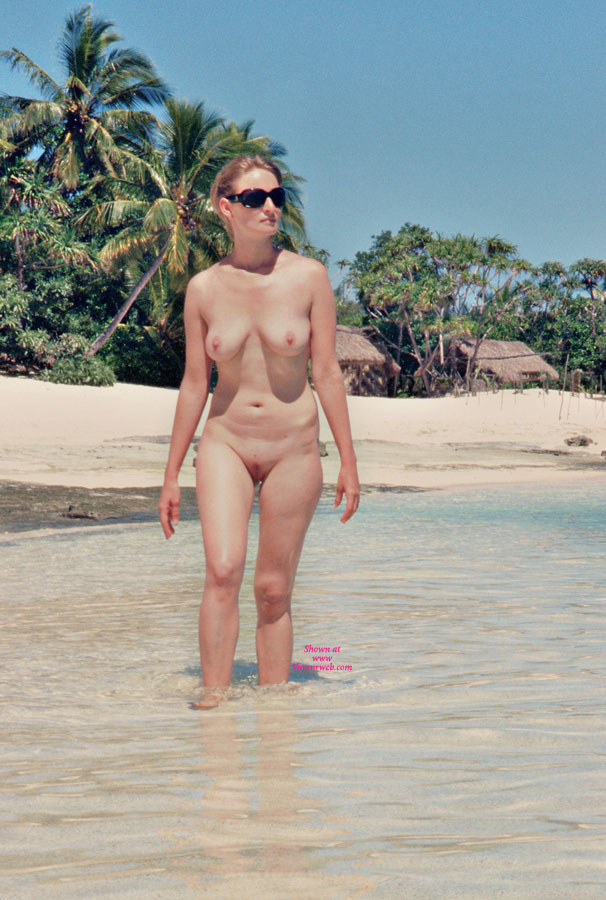 Private Nude Vacation Pic