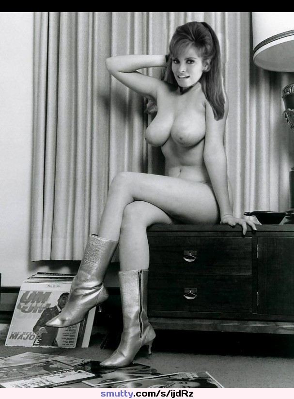 Raquel Welch Naked Pics