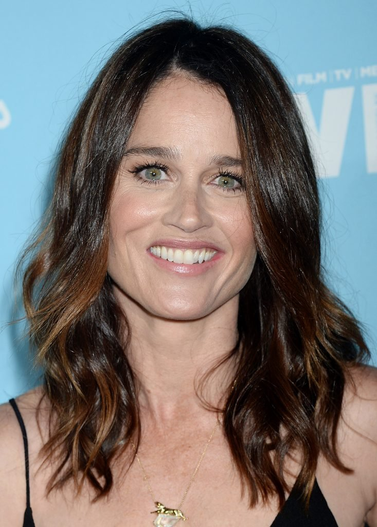 Robin Tunney Nude Images