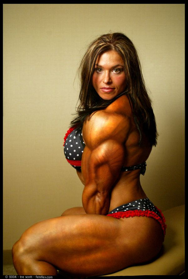 Sexy Muscular Woman Possing Nude