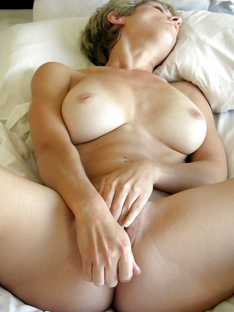 Sexy Nude Sites