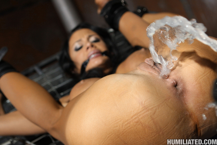Squirt Nude