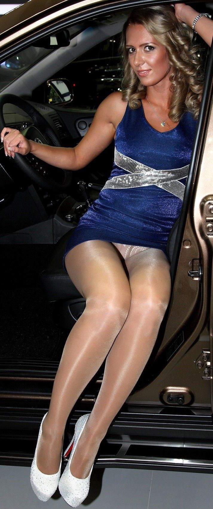 Upskirt Nude Images