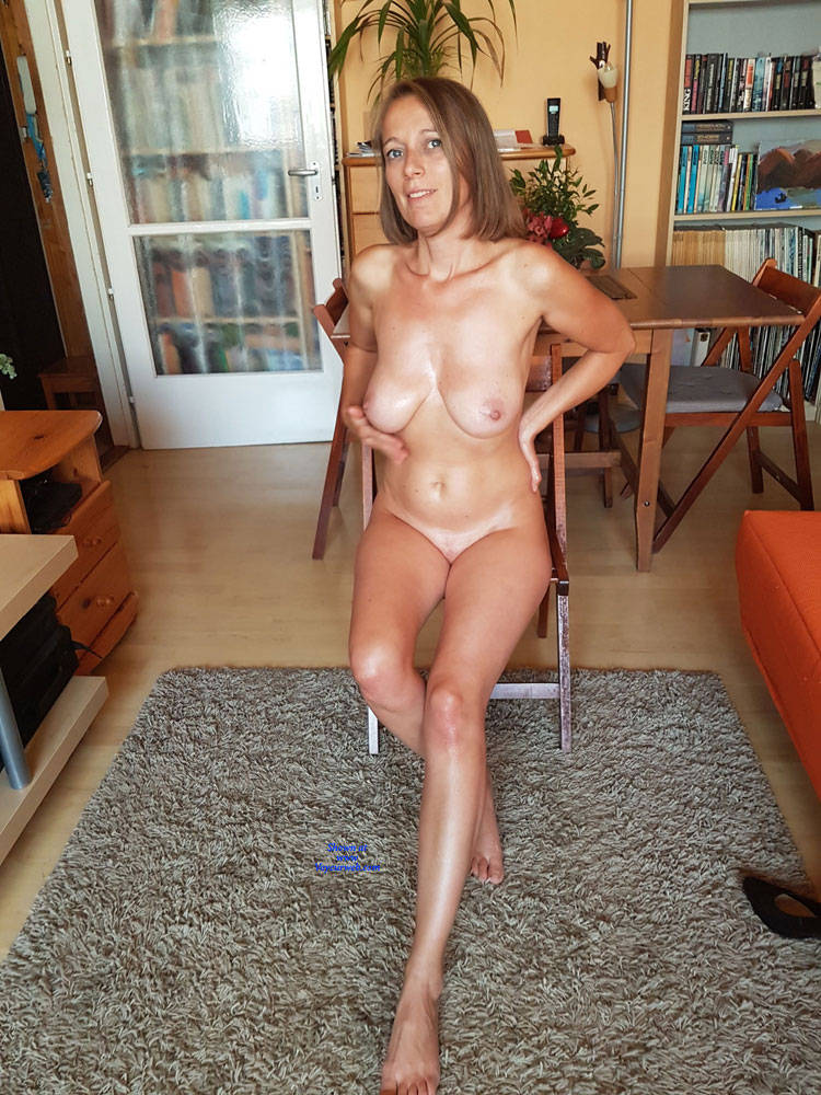 Wife Goes Naked